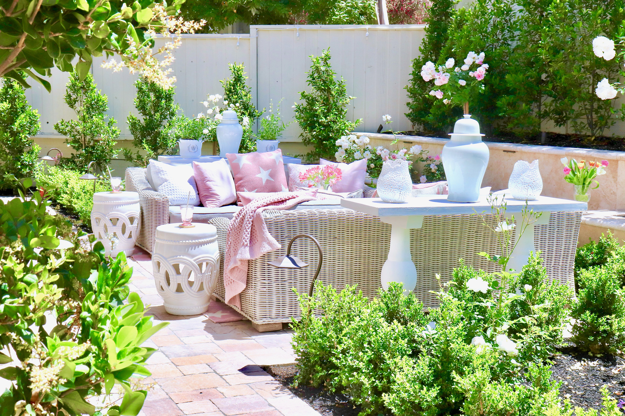 Loveliest Looks of Summer - Fashion, Food, and Decor!