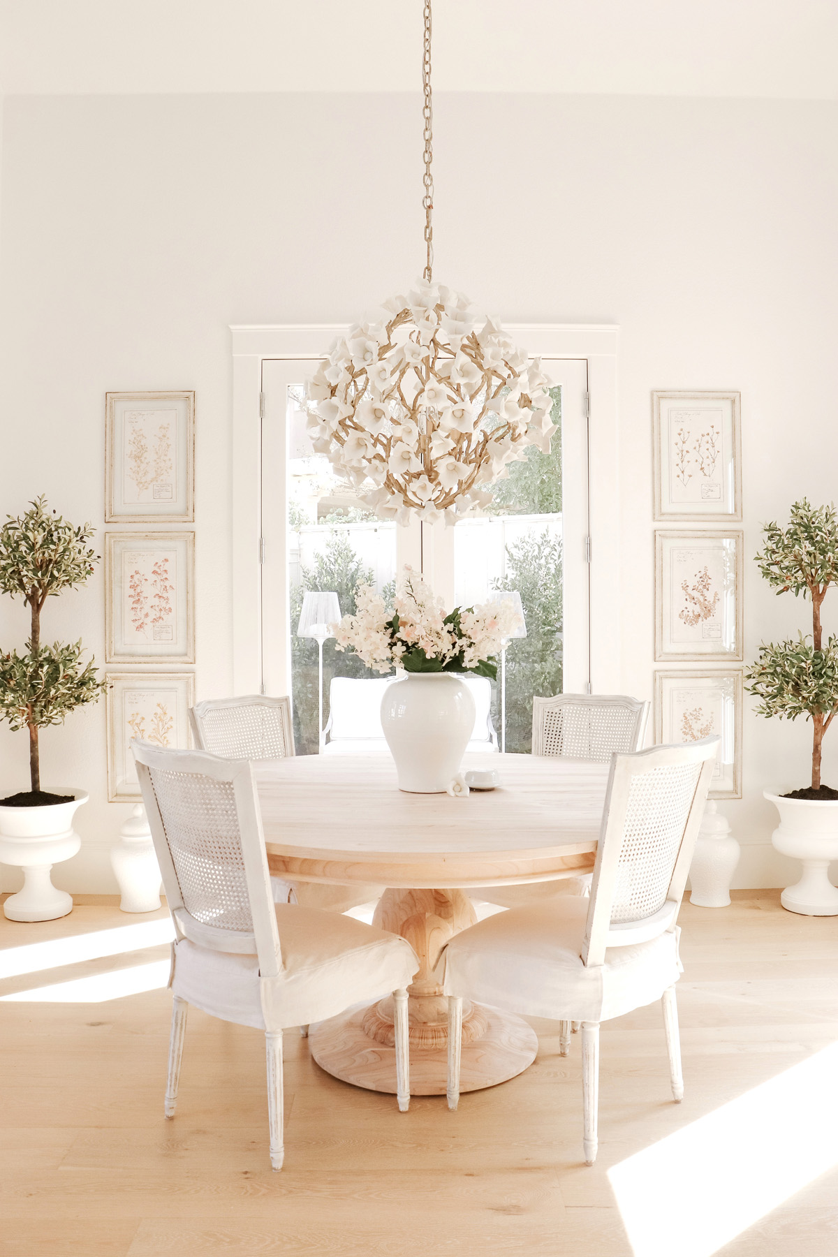 French-Inspired Pedestal Dining Table | Obsessed with this dining room look! | Kristy Wicks