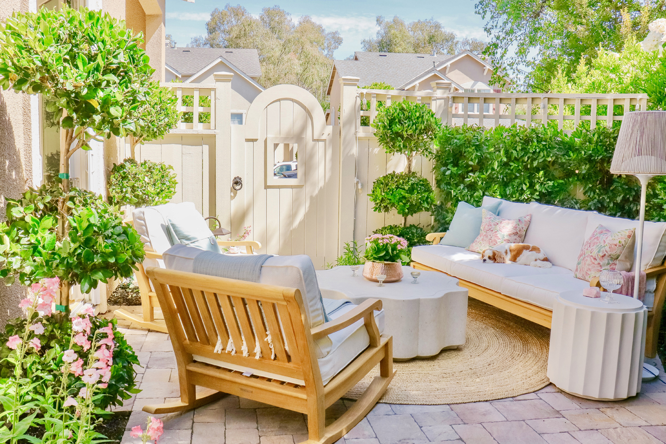 Casual California-Style Patio - New Outdoor Furniture ...