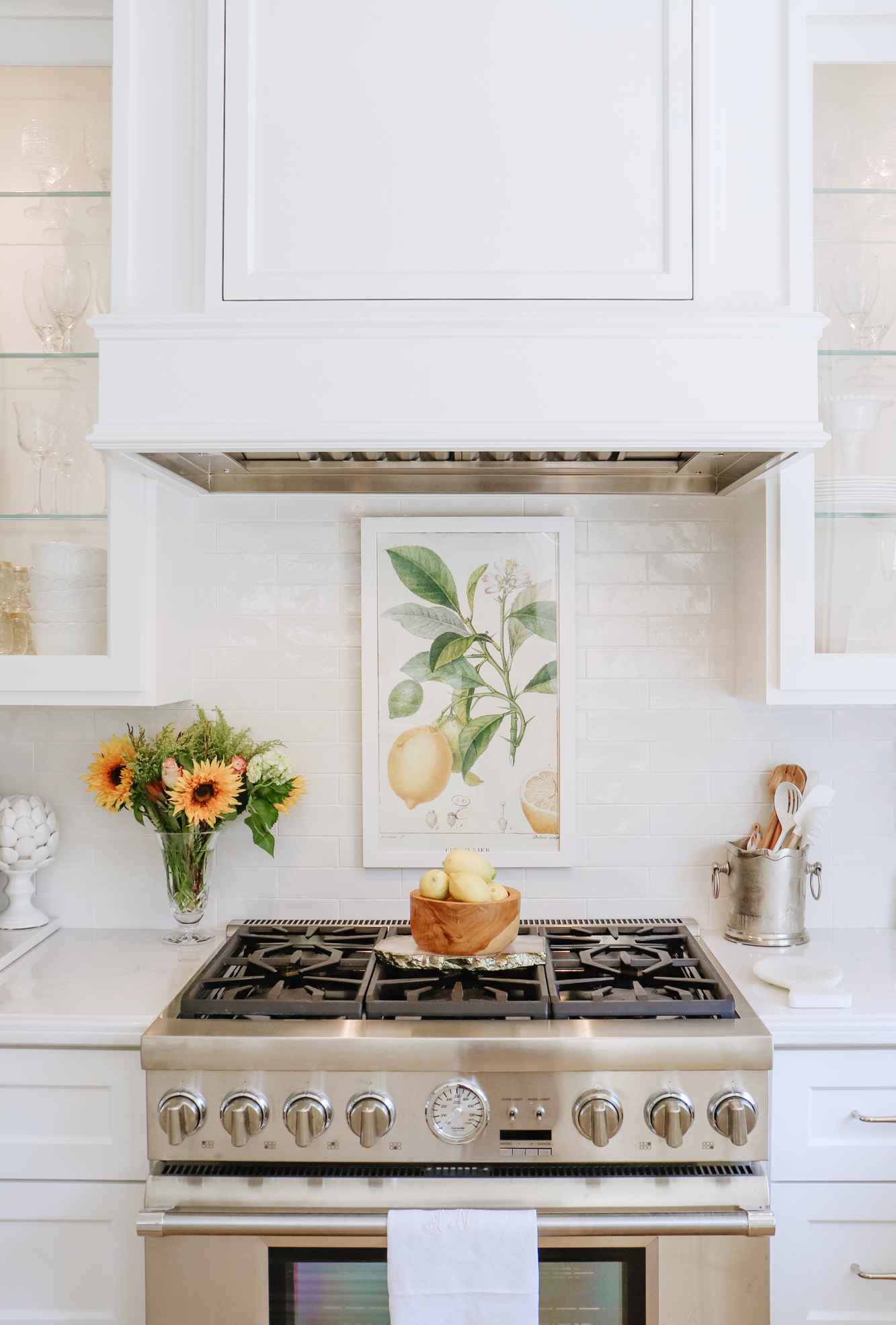 15 Stylish and Affordable Art Pieces For Your Home - Walmart has thousands of some of the prettiest prints, framed art, and more. I rounded up the best! | Kristy Wicks
