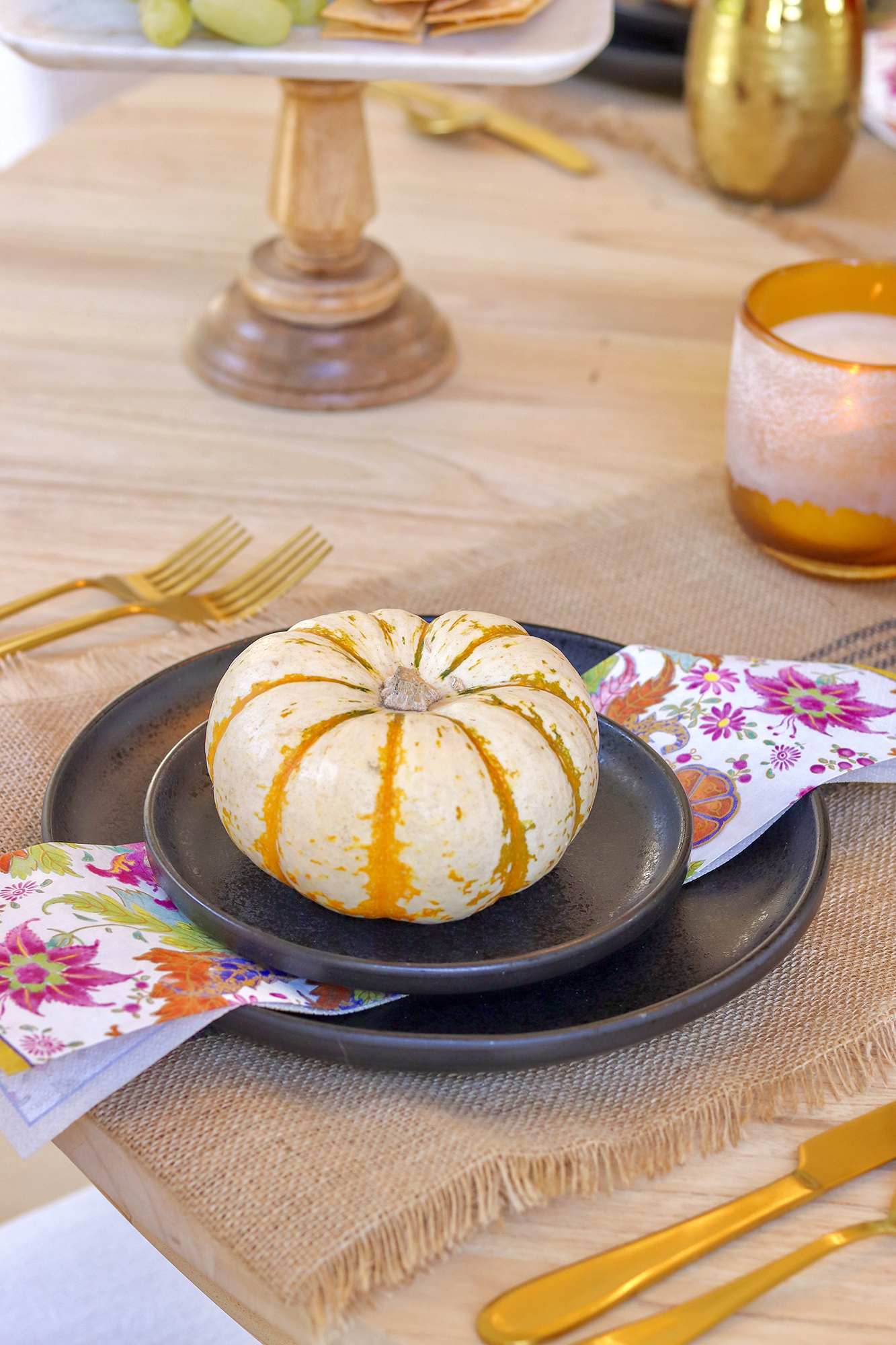 Fun & Elegant Halloween Tablescape and Decor - Everything you need to throw a slightly spooky dinner party without getting kitschy! Very Affordable options.