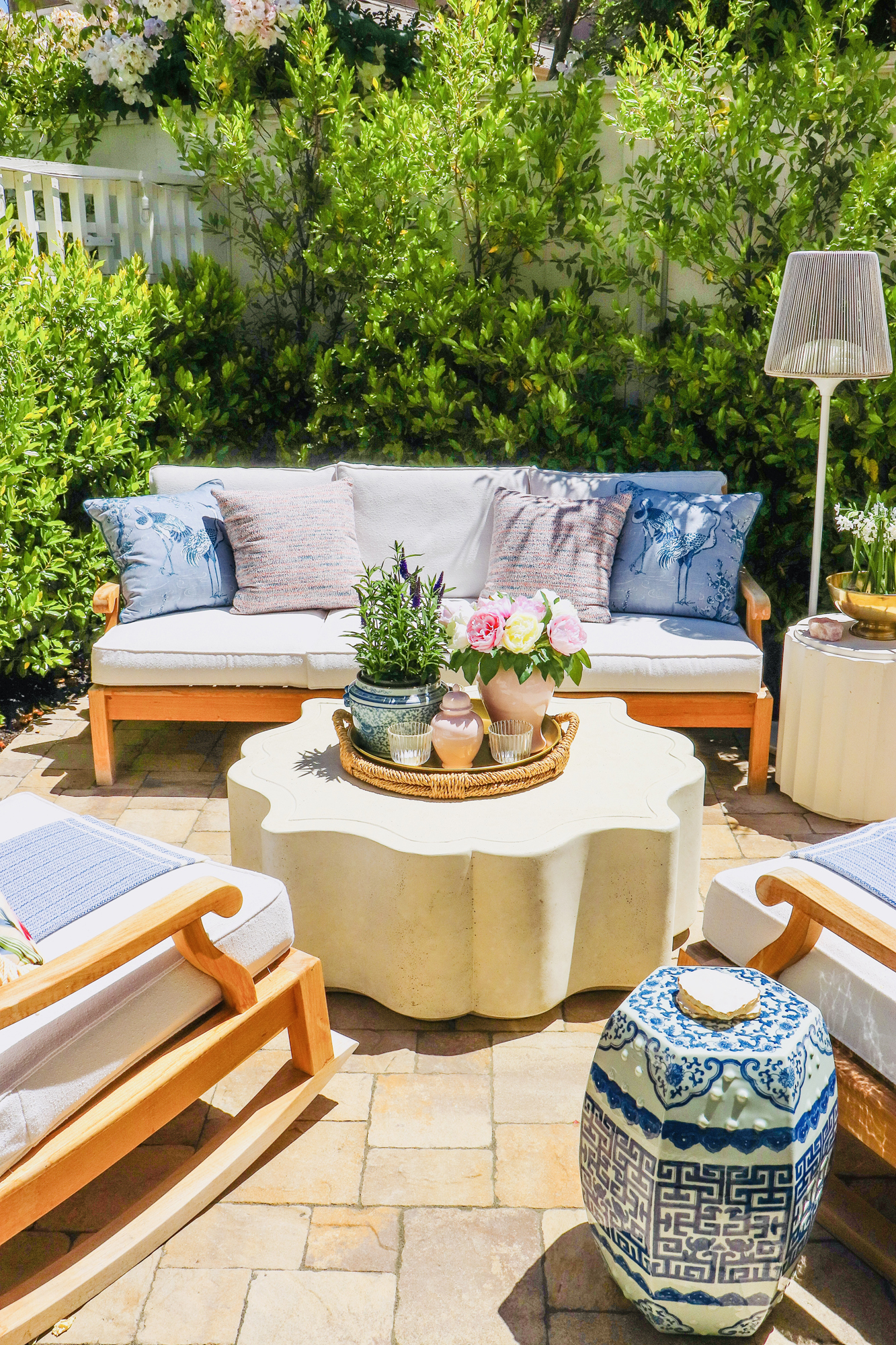 Frontgate Memorial Day Sale - up to 50% off. So many great outdoor decor, indoor decor, rugs, outdoor furniture, pillows, and more on sa