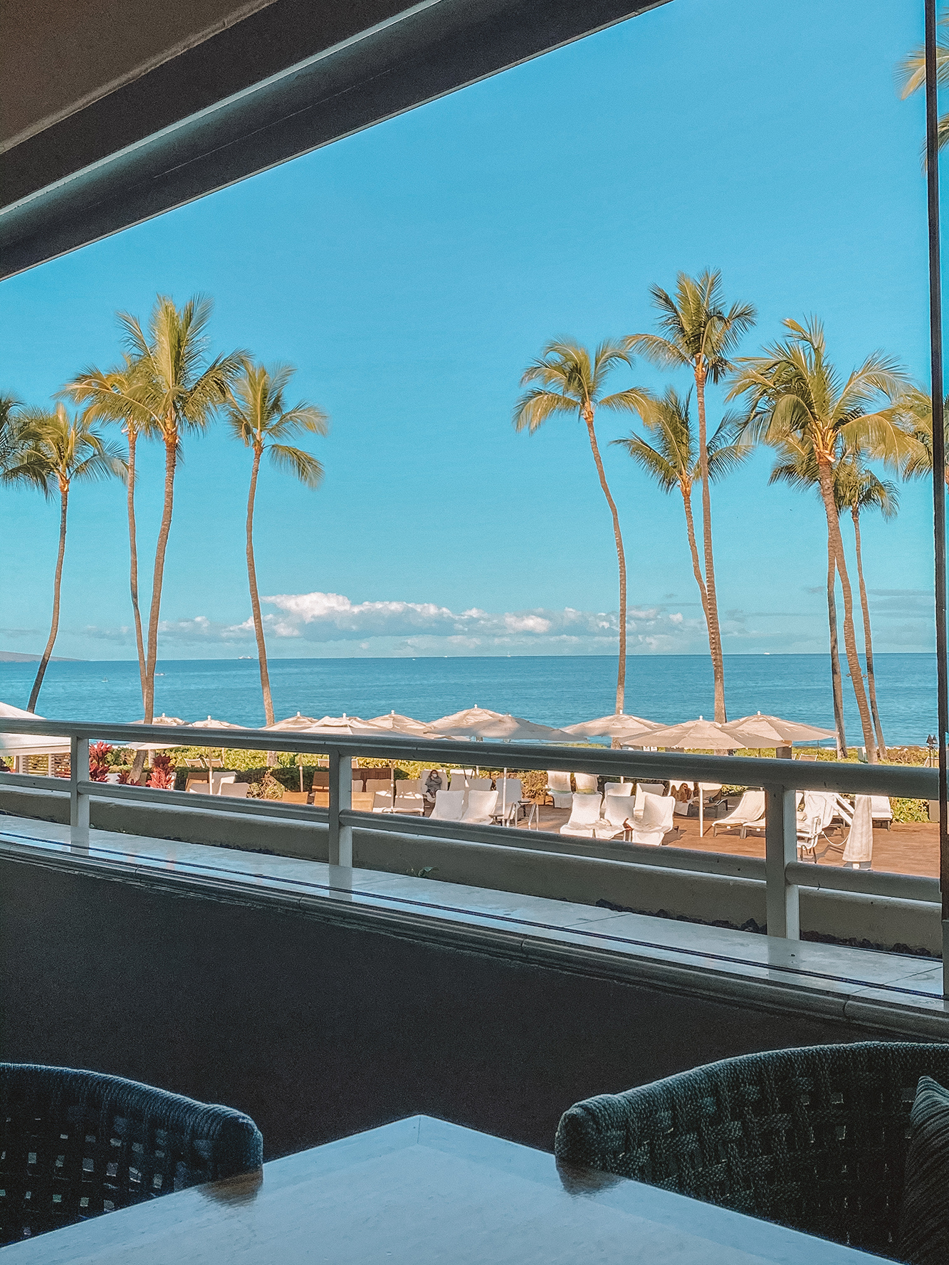 Maui Travel Guide 2021 - Where to stay, eat and play.. plus planning for COVID regulations and restrictions. How to book your maui trip